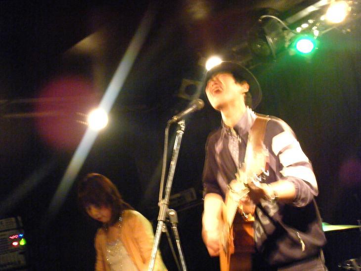 2011_02240079_2